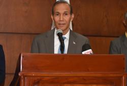 Ministro de Trabajo instruye a los empleadores que califiquen a flexibilizar su jornada de trabajo para evitar propagación COVID-19