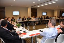 Ministro de Trabajo sostiene encuentro con directivos ADOZONA