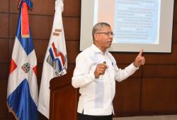 """El Ministerio de Trabajo imparte charla """"Ética, Deberes y Derechos del Servidor Público"""