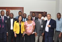 Ministra de Trabajo recibe visita sindicalistas haitianos